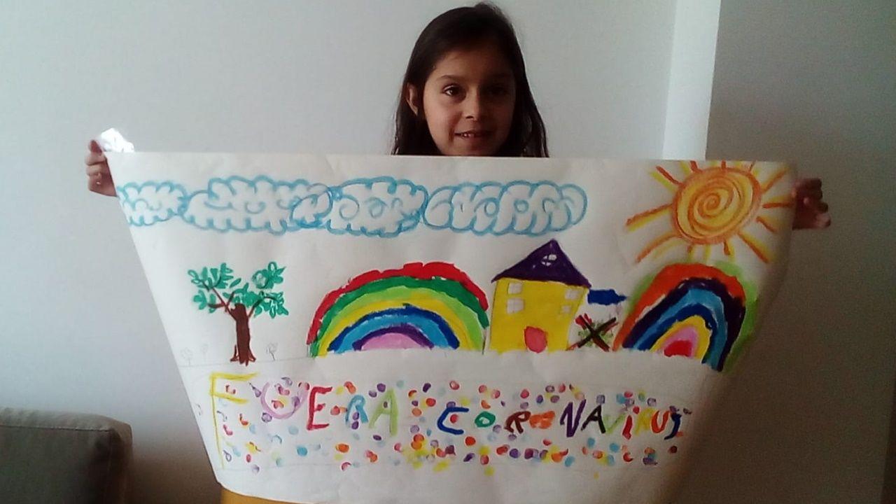 Petirrojo casero.María Eduarda con su dibujo
