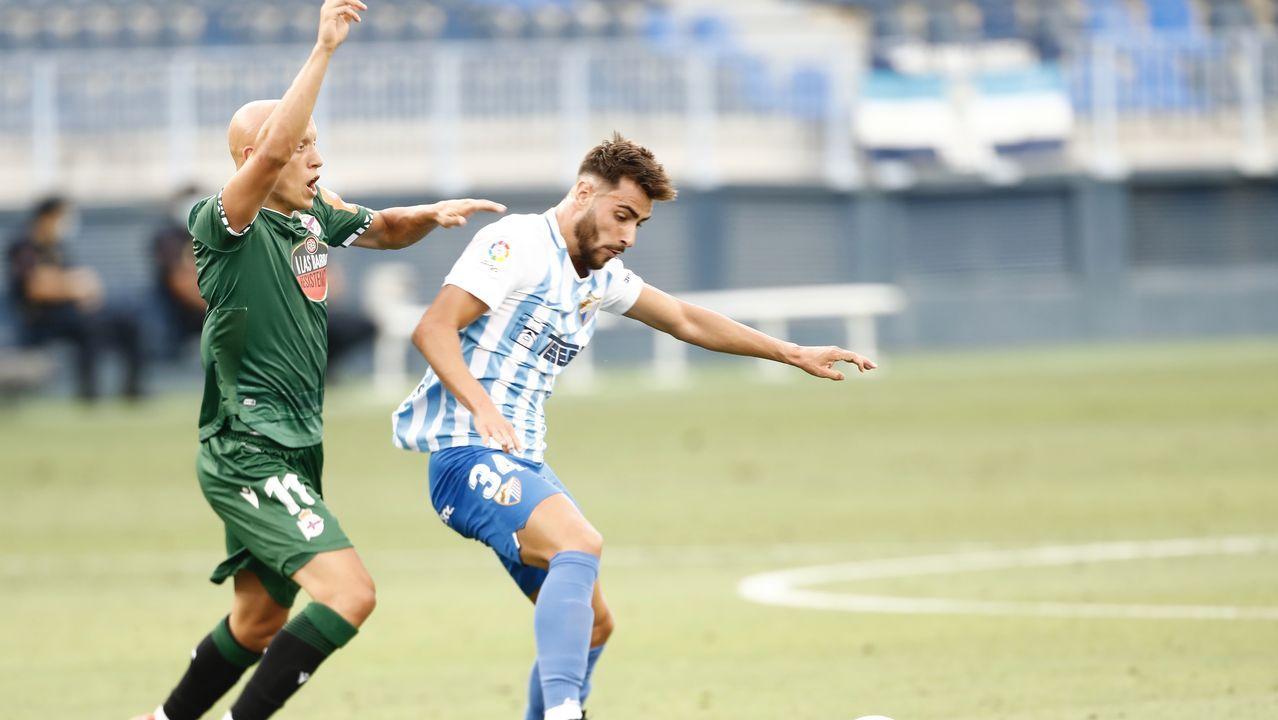 Los jugadores del Oviedo celebran el gol de Ortuño a Las Palmas