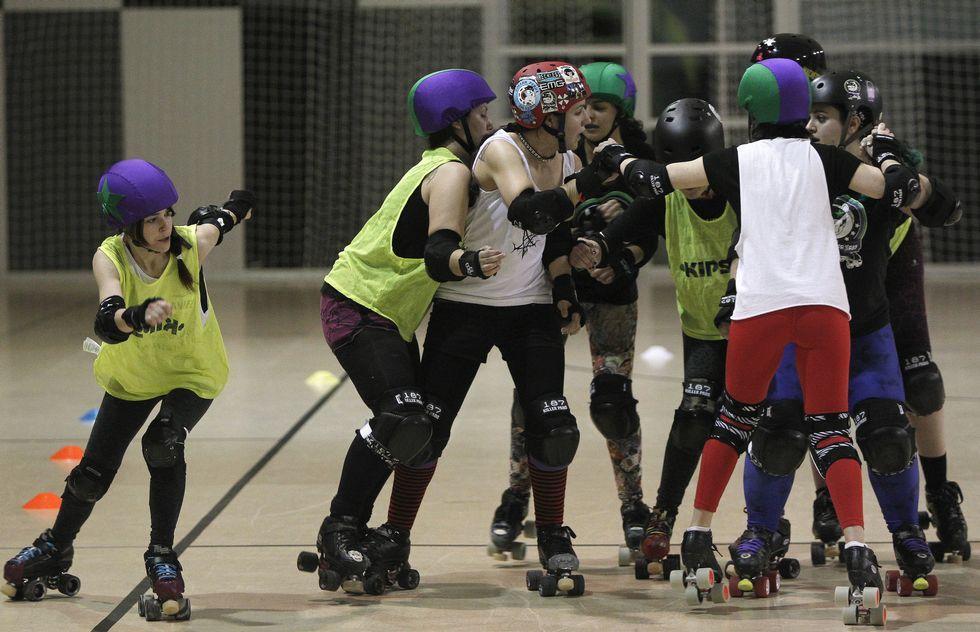Los famosos solidarios.Hasta el momento el roller derby es una modalidad mayoritarimente femenina.