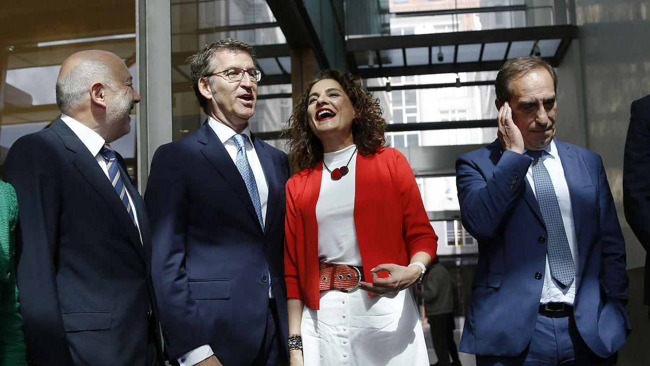 Mariano Rajoy: «Viva el vino del Ribeiro».Feijoo junto al expresidente Mariano Rajoy, que ha sido el pregonero de la Festa da Vendima de Leiro