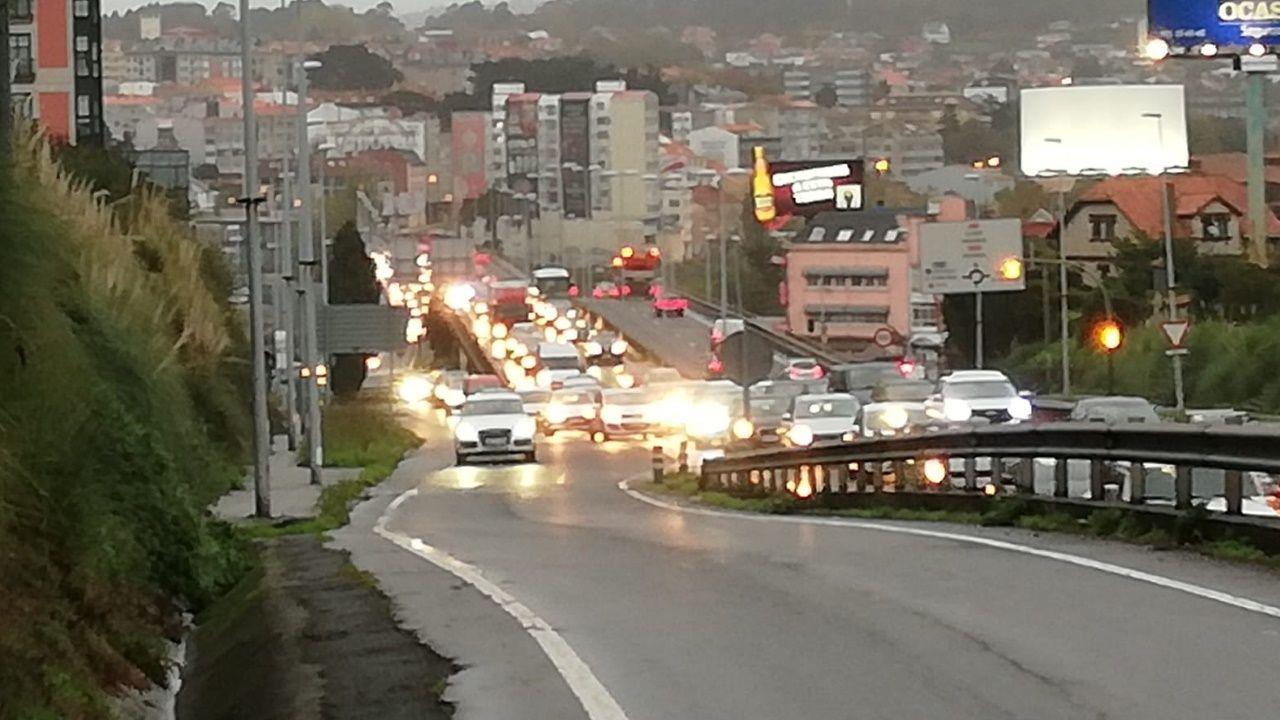 Colapso en la avenida Alfonso Molina tras registar tres accidentes en una hora
