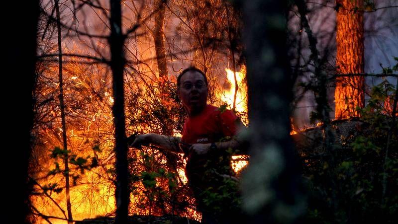 La comarca de O Condado arde.Alcaldes del área metropolitana de Vigo en el Parlamento