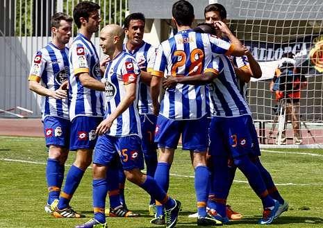 Toda la actualidad de la jornada de Segunda división.Los deportivistas celebran el gol de Sissoko.
