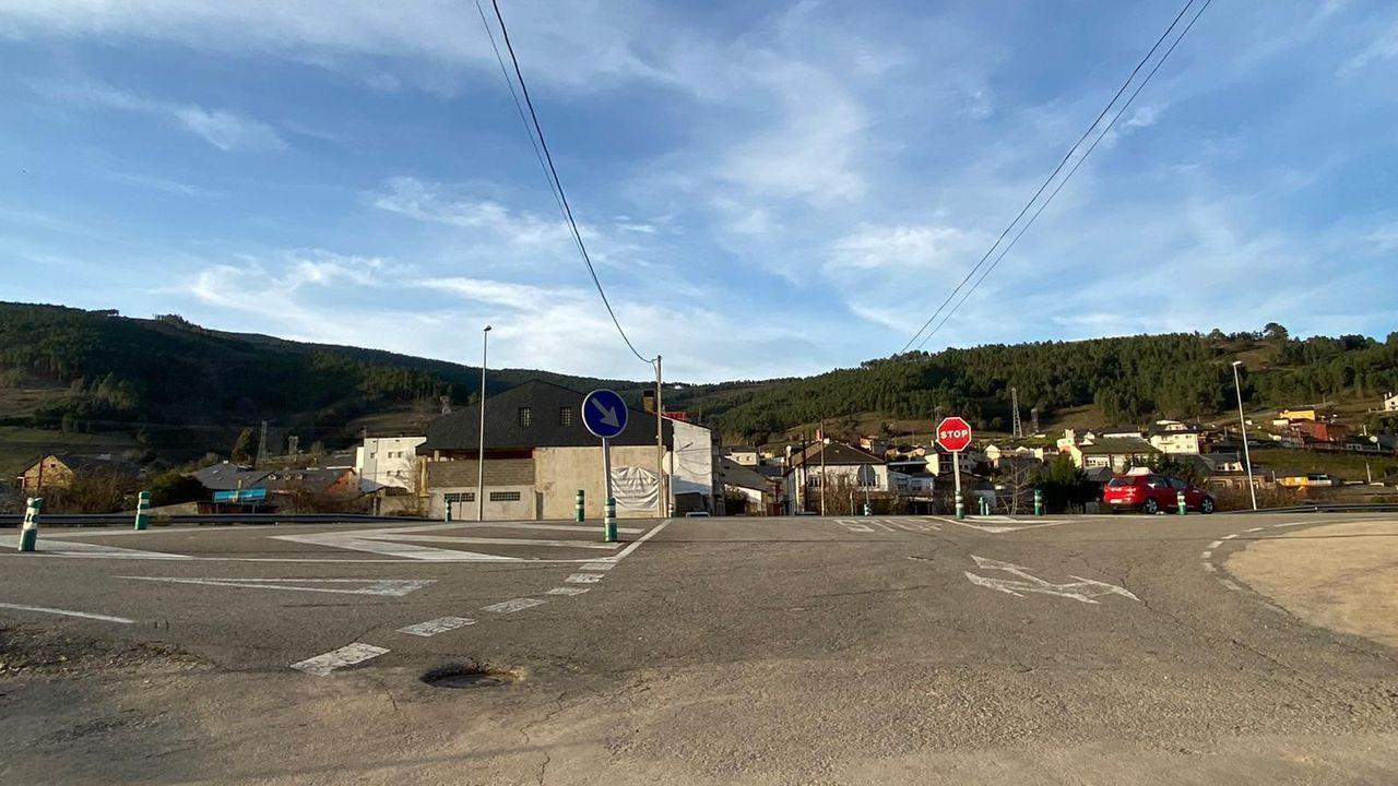Tramo de la N-120 a su paso por Vilamartín de Valdeorras
