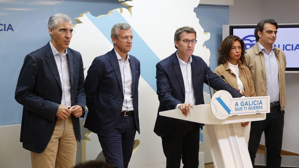 Las caras de la lista «renovada» de Feijoo.Firma de la Declaración de María Pita con alcaldes da comarca para impulsar área metropolitana