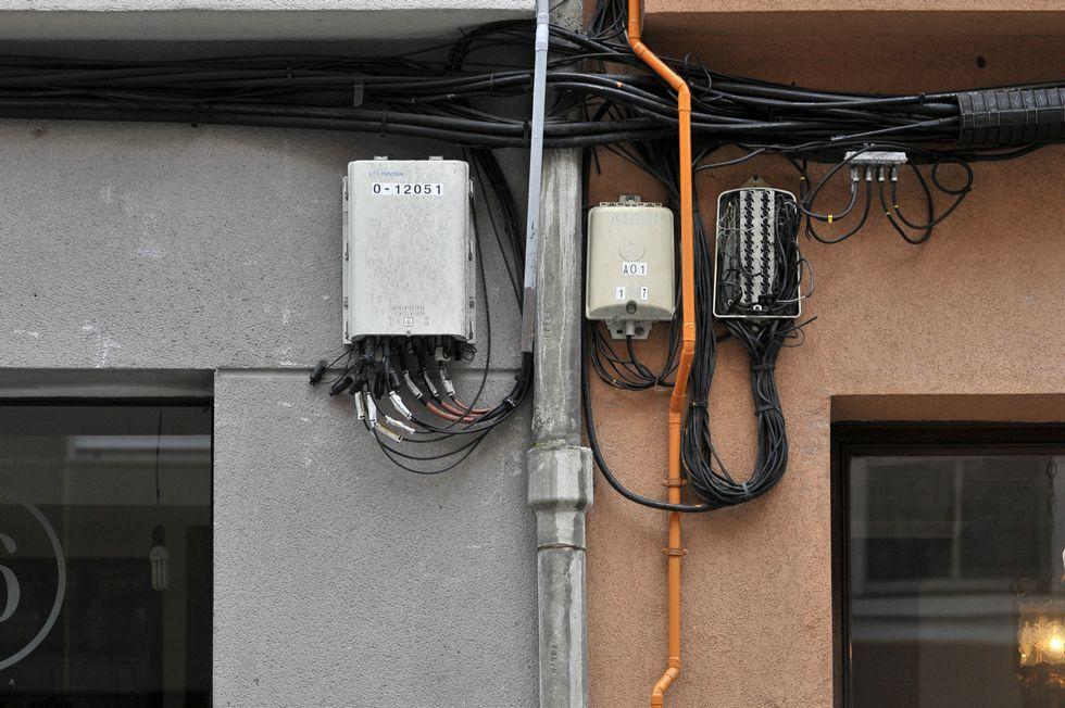 Cables en la zona de los Mallos