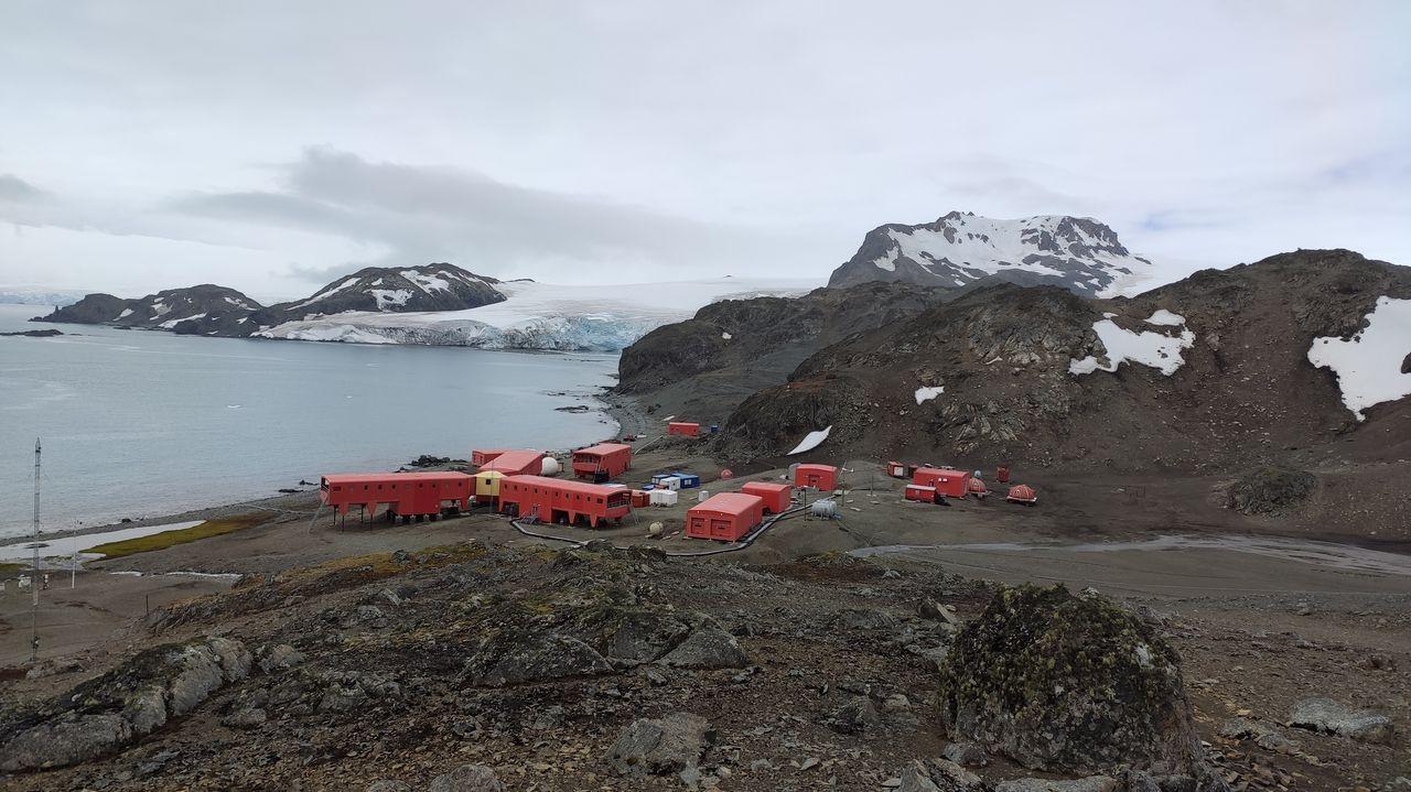 La nieve ha desaparecido este verano alrededor de la base científica Juan Carlos I