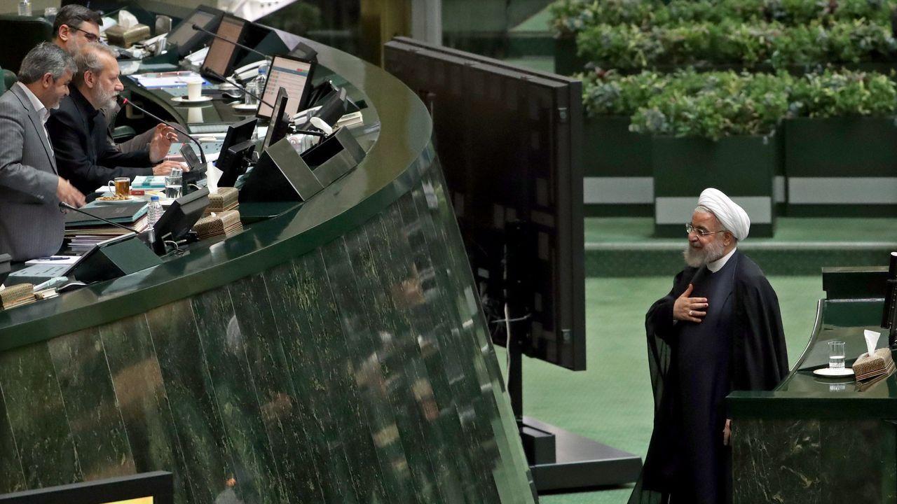 «Lo hemos dicho una y otra vez, y lo repetimos: no tenemos intención de mantener conversaciones bilaterales con Estados Unidos», subrayó Rohani ante el Parlamento iraní