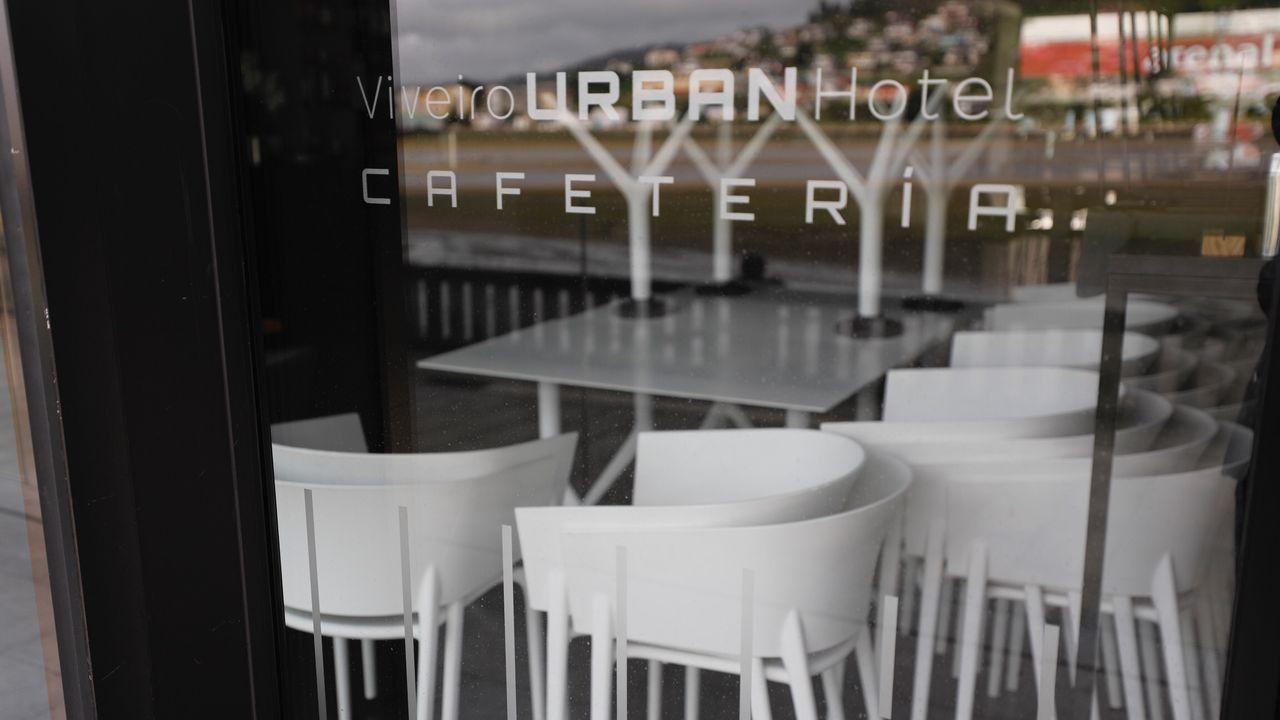 La cafetería del Hotel Urban, uno de los locales de moda en el centro de Viveiro, continuará cerrada, de momento