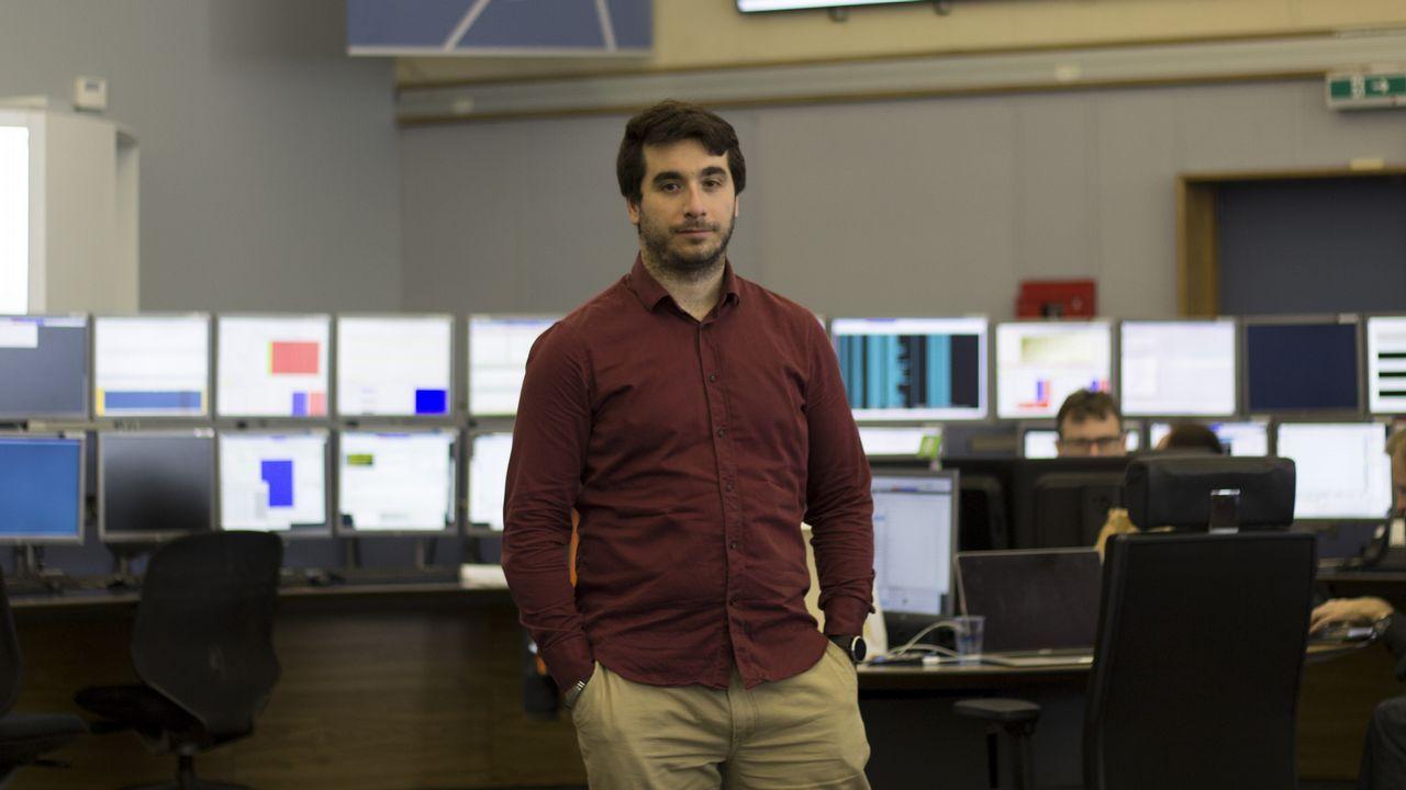Alén Arias en el Centro de Control