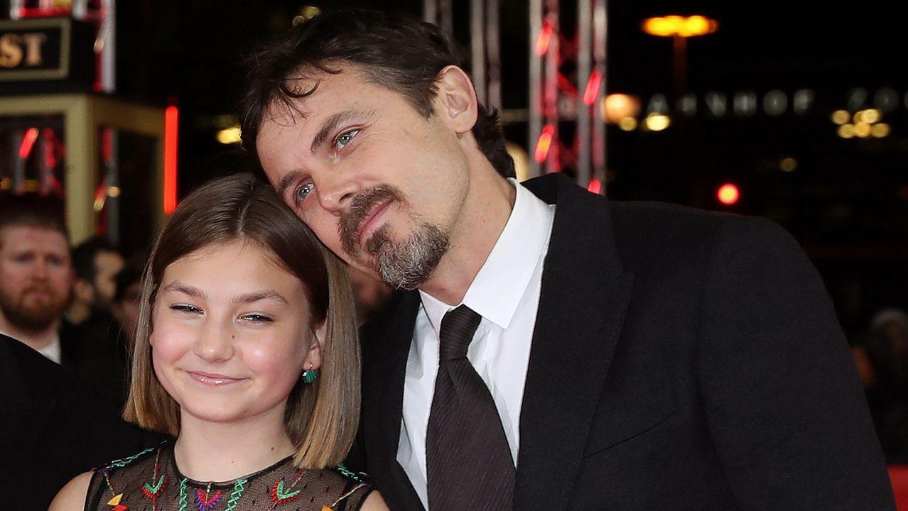 El director Casey Affleck y la actriz Anna Pniowsky