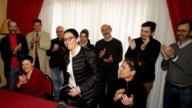Bugallos.Agustín Hernández con la nueva concejala Maite Cancelo