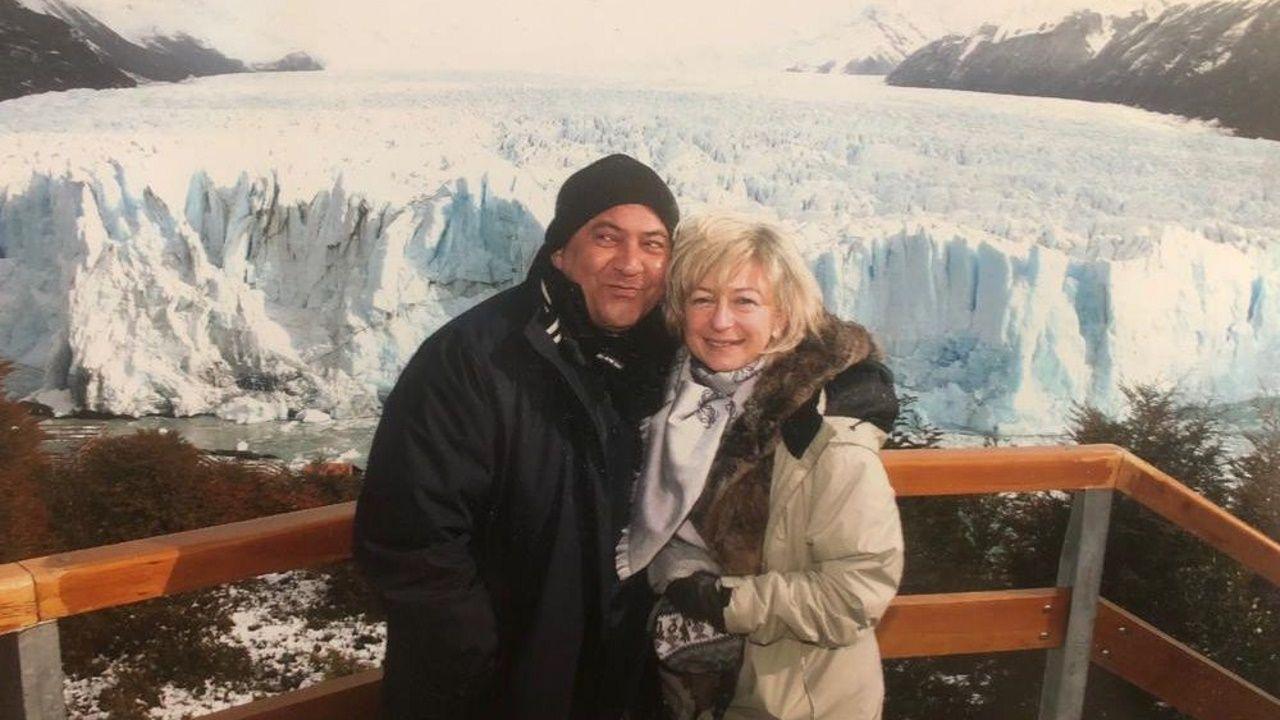 Santiso, en la Patagonia, junto a la concejala Laura Calvo