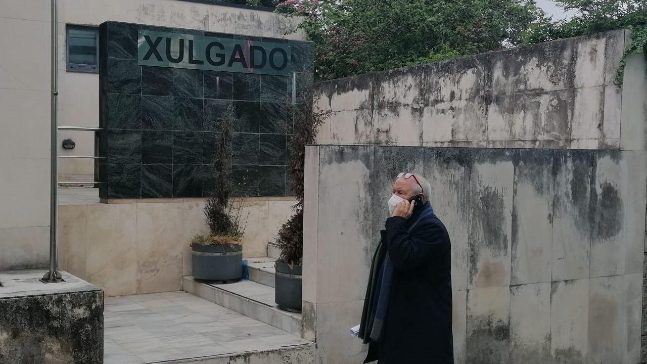 Las imágenes del deterioro del polígono industrial de Sarria.Benjamín Escontrela a la salida de su declaración en el Juzgado de Sarria