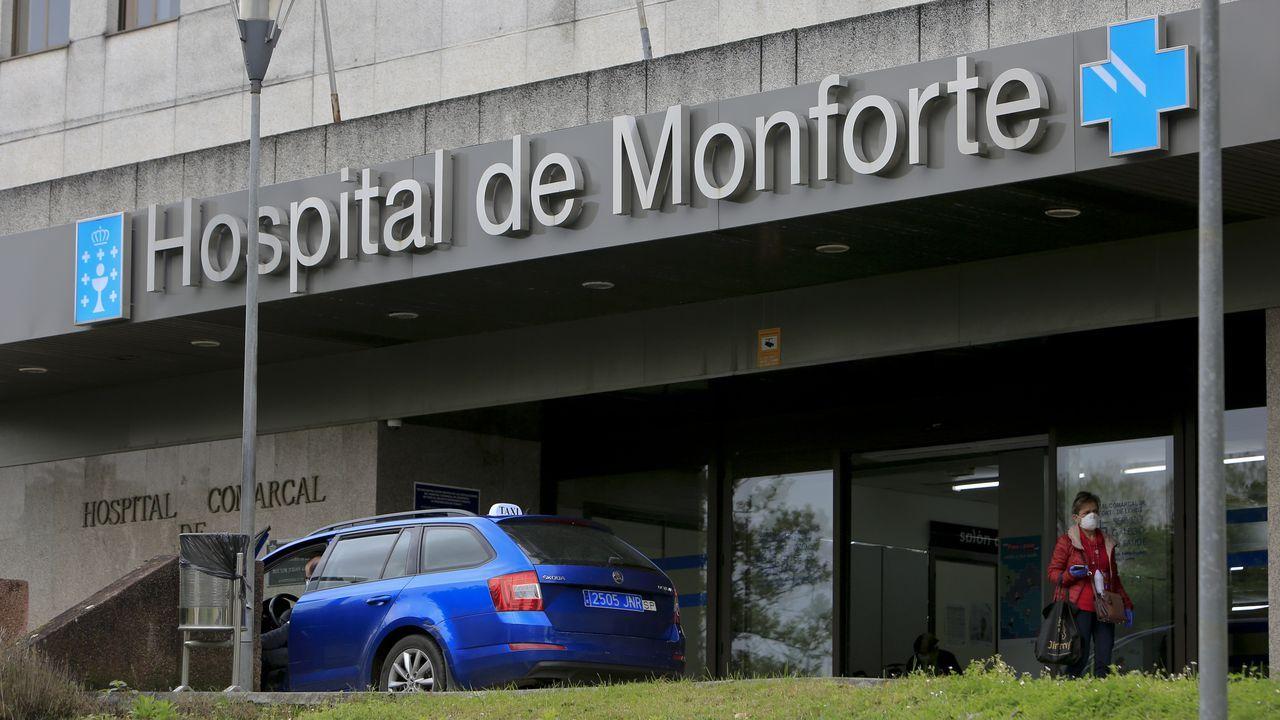 Alejandro, de DomusVi Monforte, regresa a la residencia tras superar el coronavirus.El Hospital Comarcal de Monforte tiene 58 camas reservadas para pacientes con coronavirus