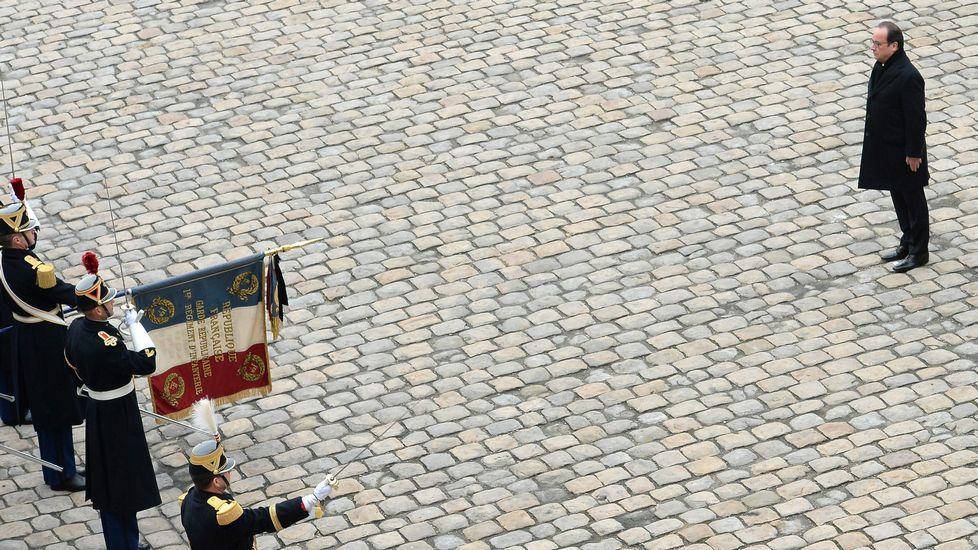 La batalla de Alepo, en imágenes.El primer ministro Manuel Valls, a la izquierda