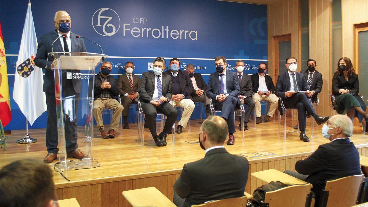 El CIFP Ferrolterra acogió un encuentro entre el conselleiro de Educación y representantes del sector empresarial y del campus