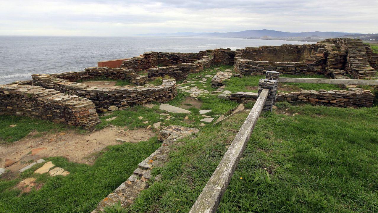 Castro de Fazouro, único castro marítimo excavado en el Cantábrico;