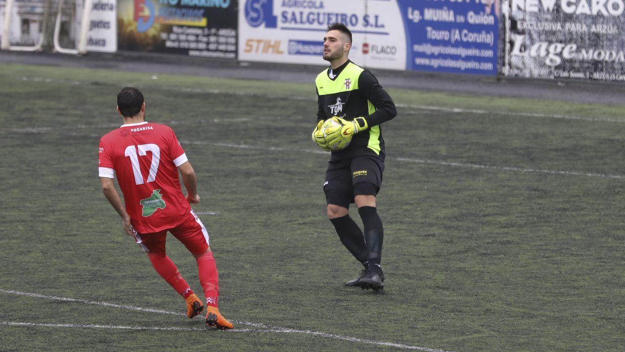 Las imágenes del Atlético de Madrid B - Racing.Gonzalo López de Guereñu, junto a un fútbolista de la liga marroquí