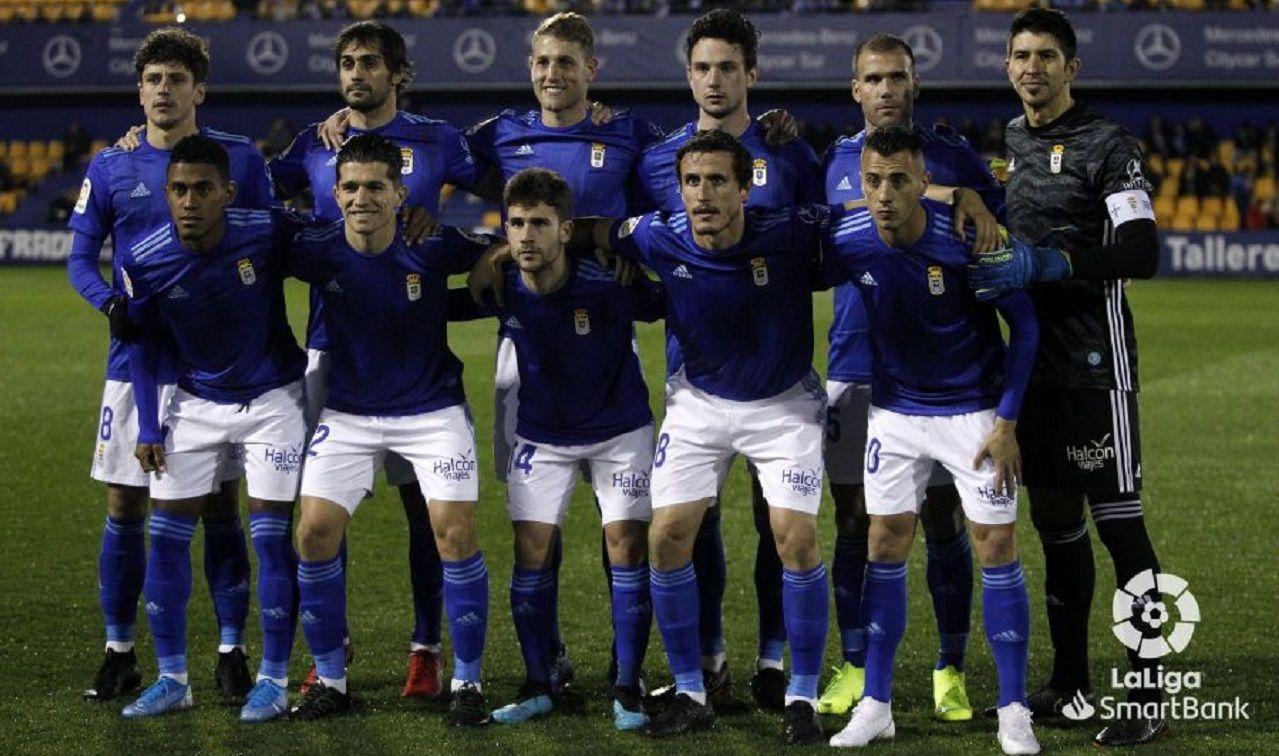 Los jugadores del Oviedo celebran el 0-1 de Borja Sánchez
