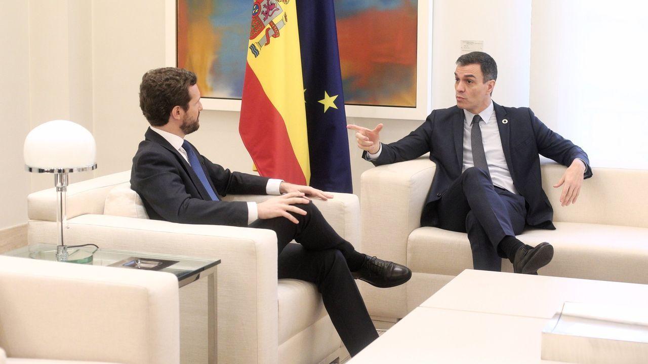 Pablo Casado y Pedro Sánchez, en la última reunión que mantuvieron en la Moncloa, el pasado febrero