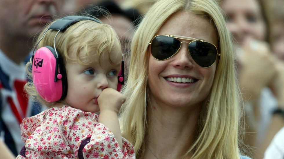 Gwyneth Paltrow con su hija Apple Martin en el 2005