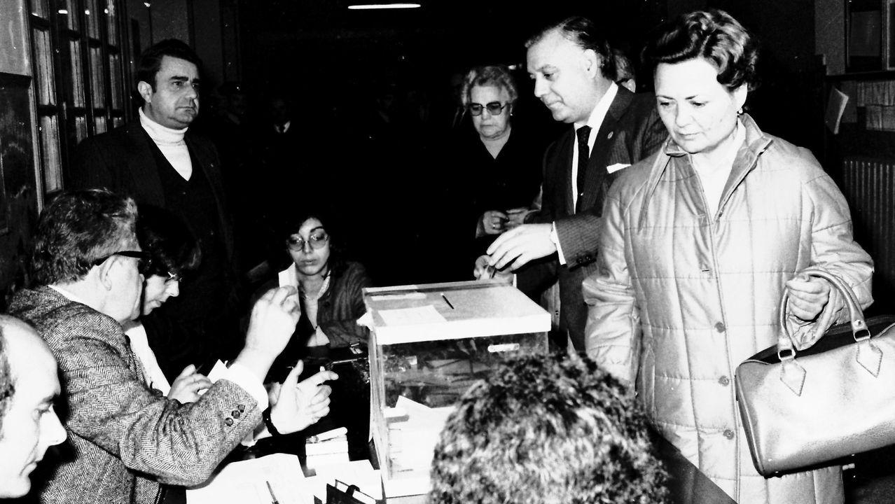El alcalde José Novo Freire, votando en unas elecciones autonómicas