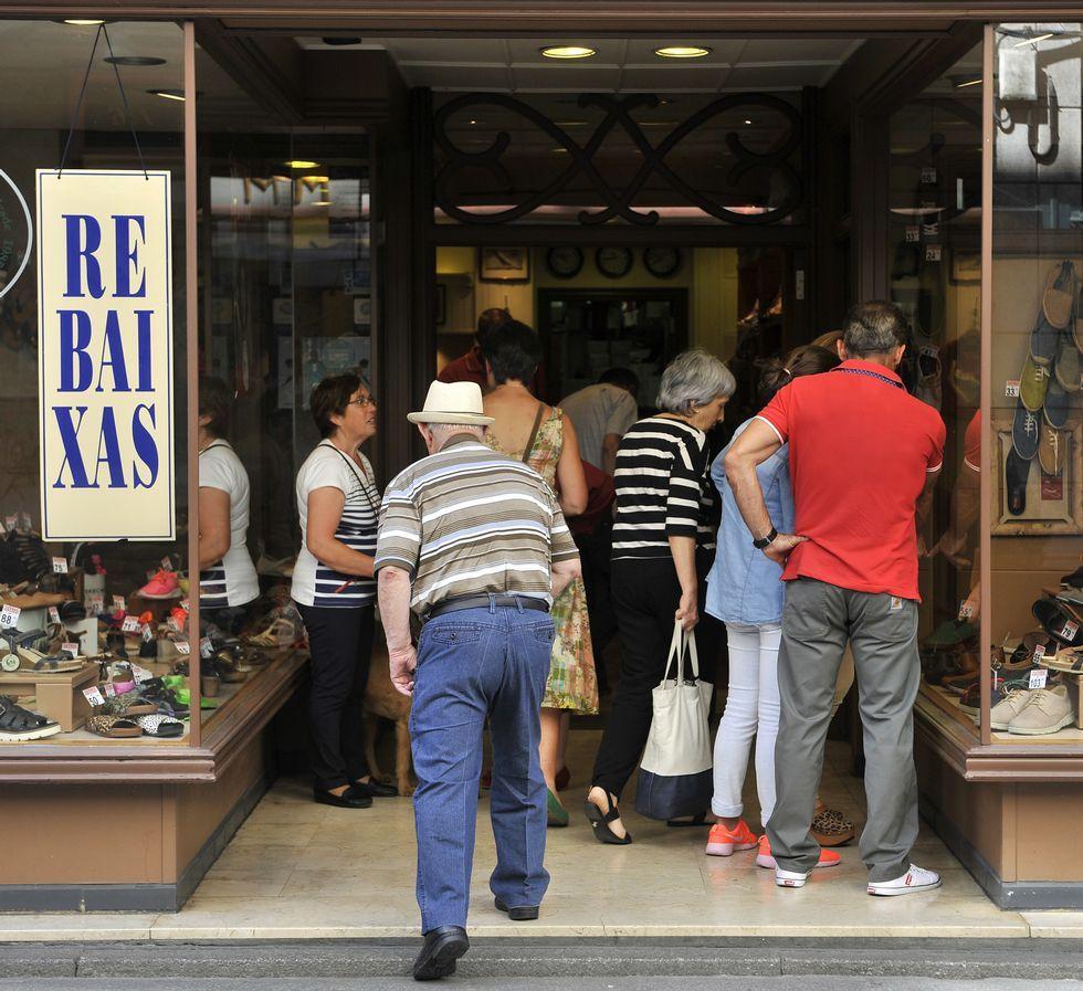 Las tiendas de ropa fueron de las más frecuentadas durante la jornada de ayer en el Odeón.