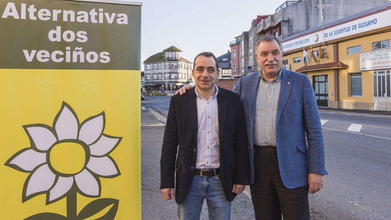Juan Fariña, a la izquierda, junto a Ángel María Seoane, en Bergondo
