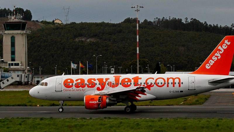 aerolíneas.Volotea dejará en septiembre las pistas de Peinador tras dos meses de actividad.