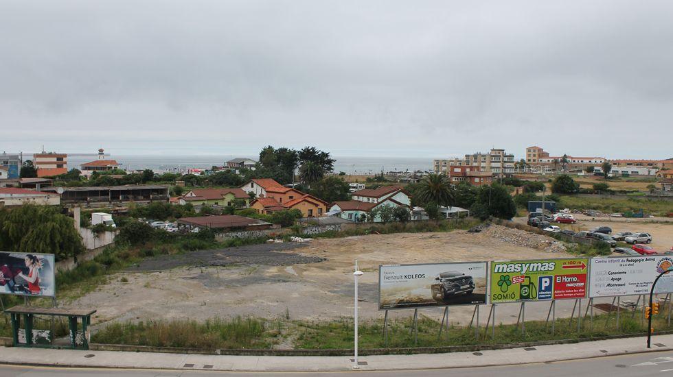Imagen de la nube de contaminación en Gijón tomada por la Coordinadora Ecologista.Terrenos de la Ería del Piles, en Gijón
