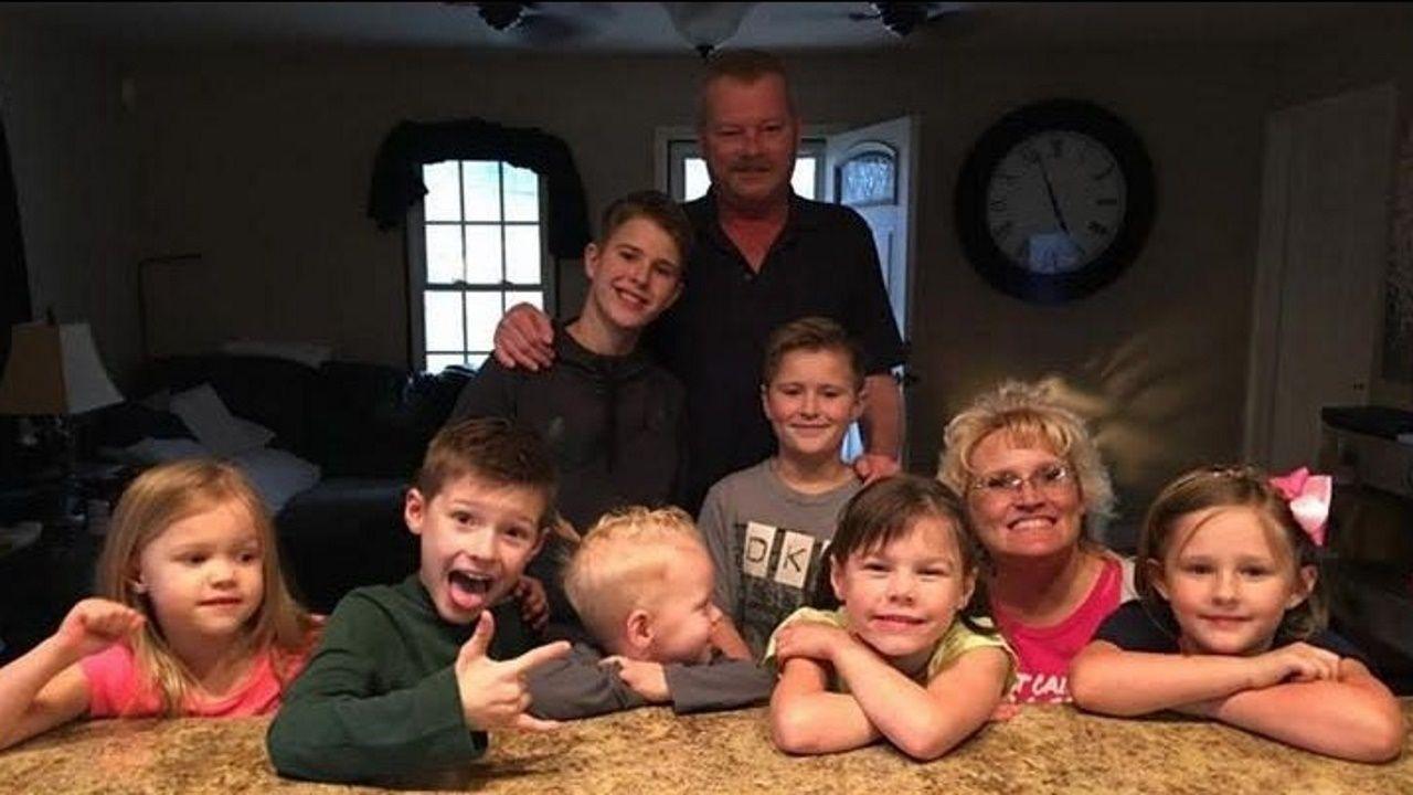Jerry y Mary, junto a sus nietos