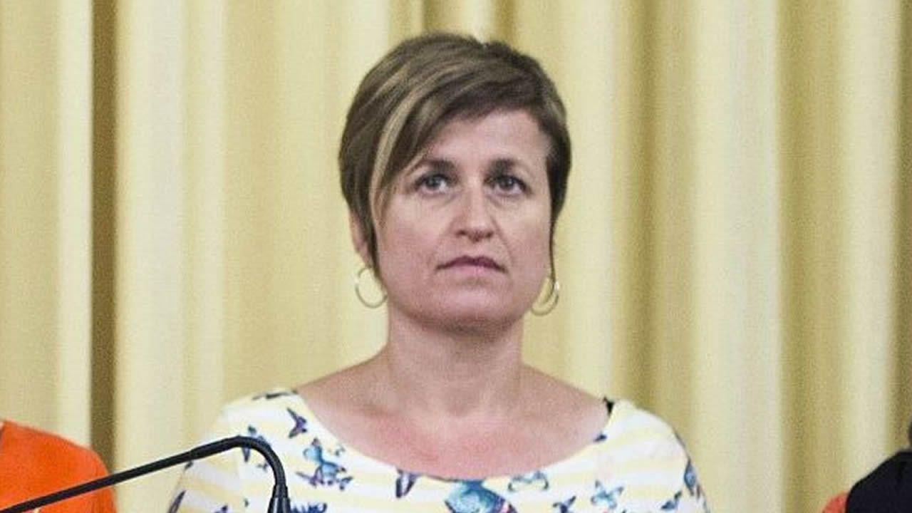 Anna Isabel Simó. Exmiembro de la Mesa del Parlamento. Desobediencia.