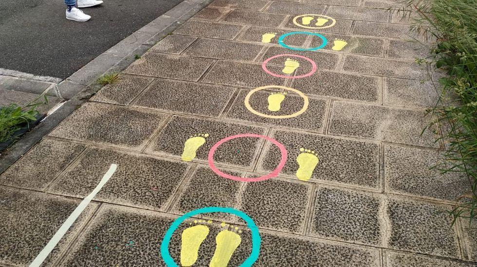 Tecendo Brincadeiras pinta las calles de juegos para los niños.Ya se pintaron algunos juegos en las aceras de Lugo