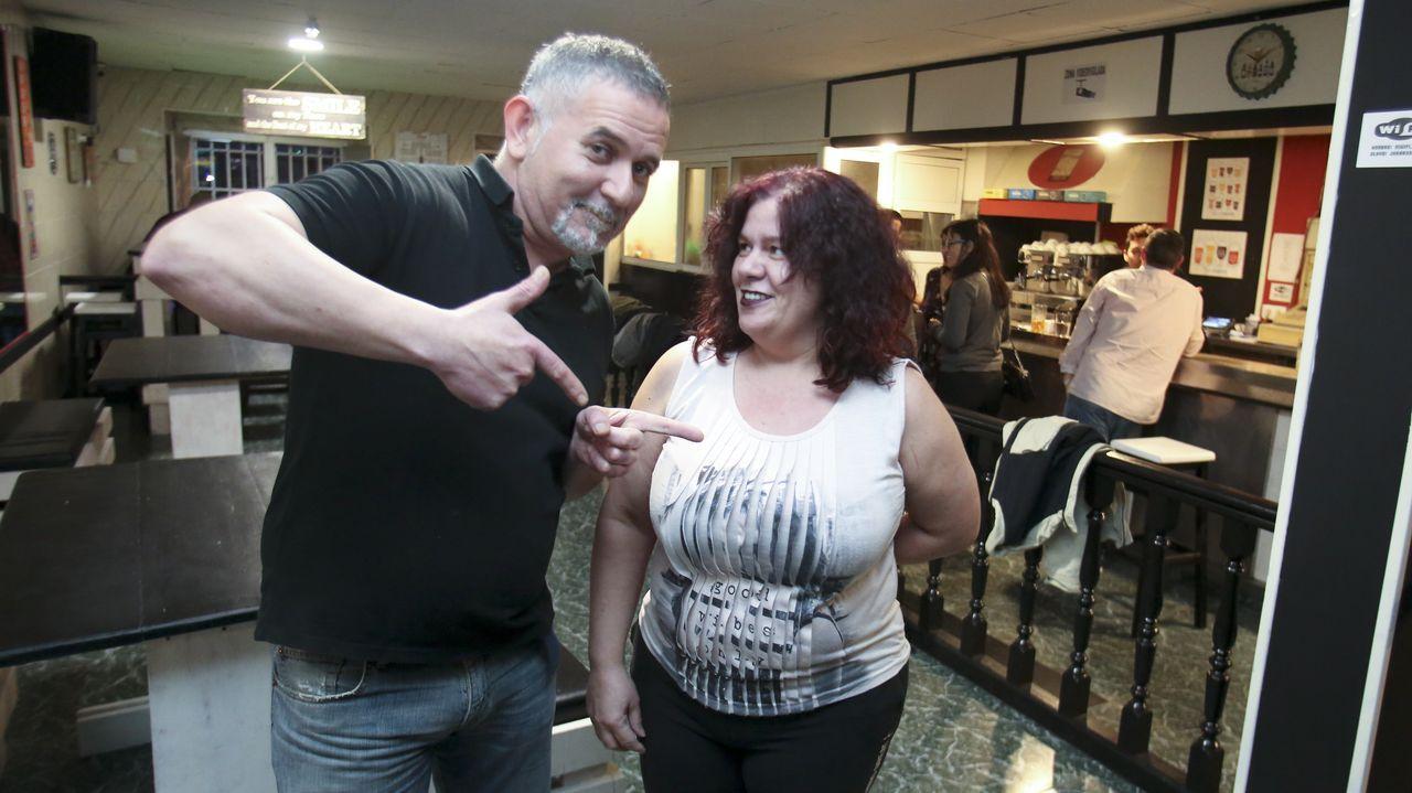 Eva Isanta y Pablo Chiapella en sendas capturas de los vídeos que enviaron al Ayuntamiento de Quiroga