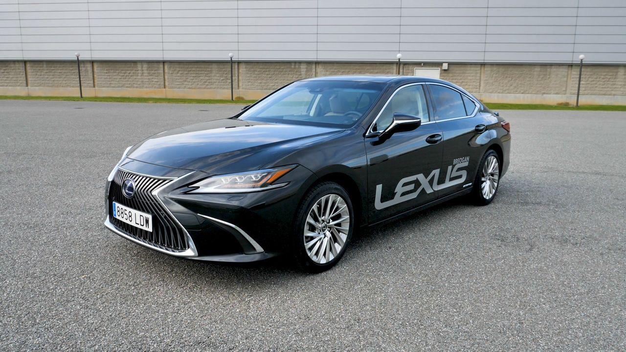 Probamos el Lexus ES 300h Executive.Toyota Aygo
