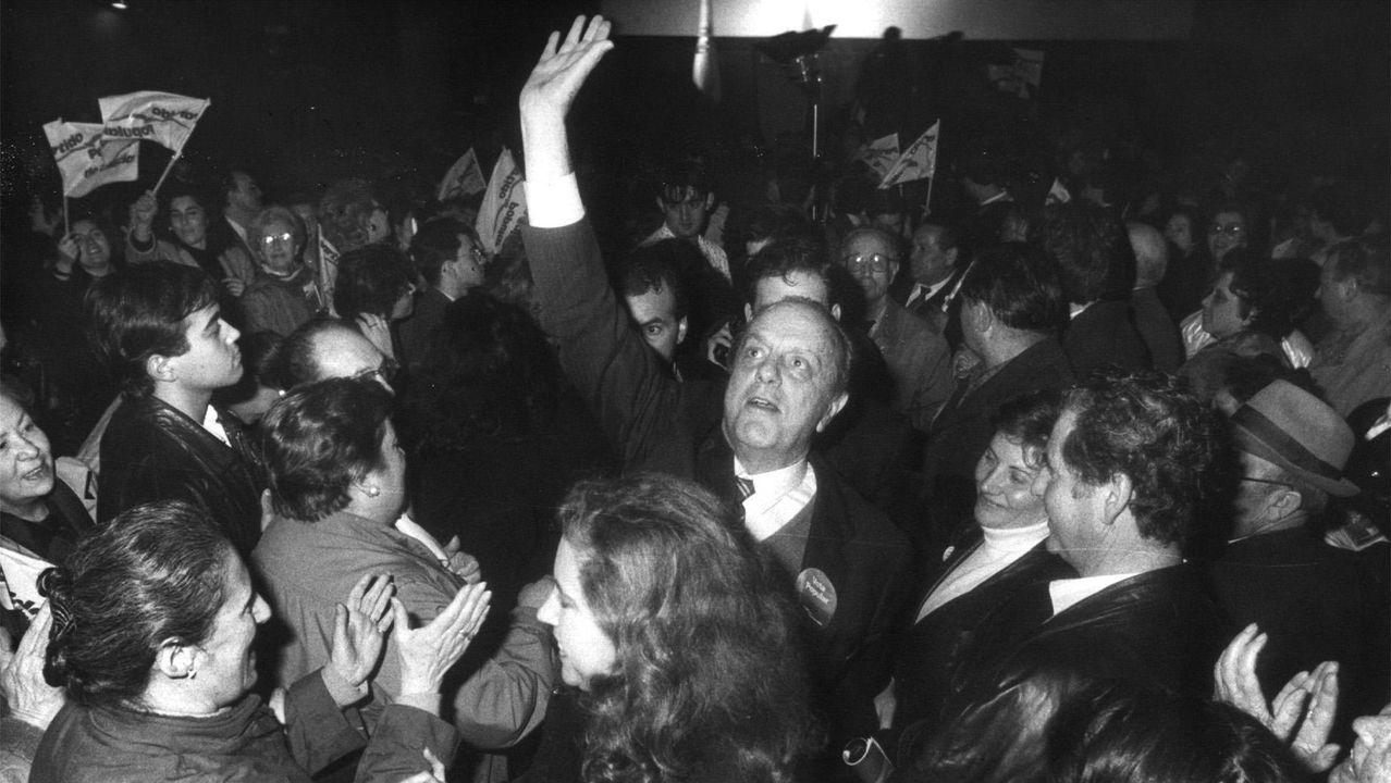 Fraga, en un acto de campaña del 1989