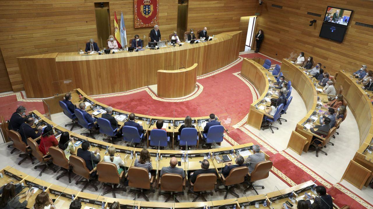 Puigdemont votando en el referendo ilegal de Cataluña