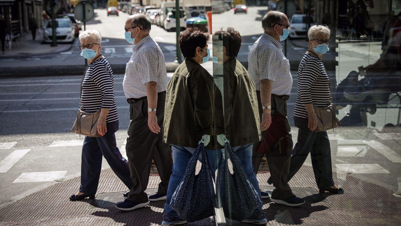 La mascarilla se instala en las calles de A Coruña
