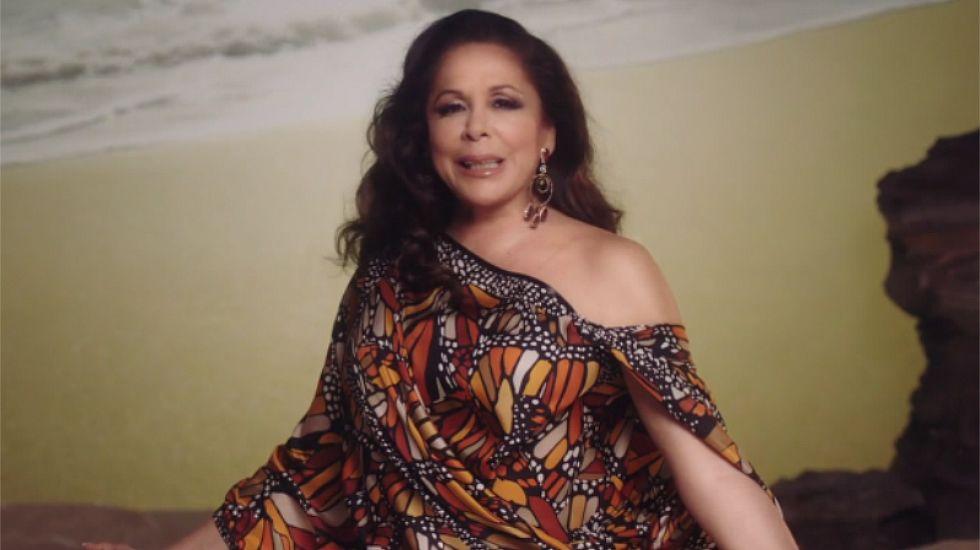 Isabel Pantoja canta «Del olvido al no me acuerdo»