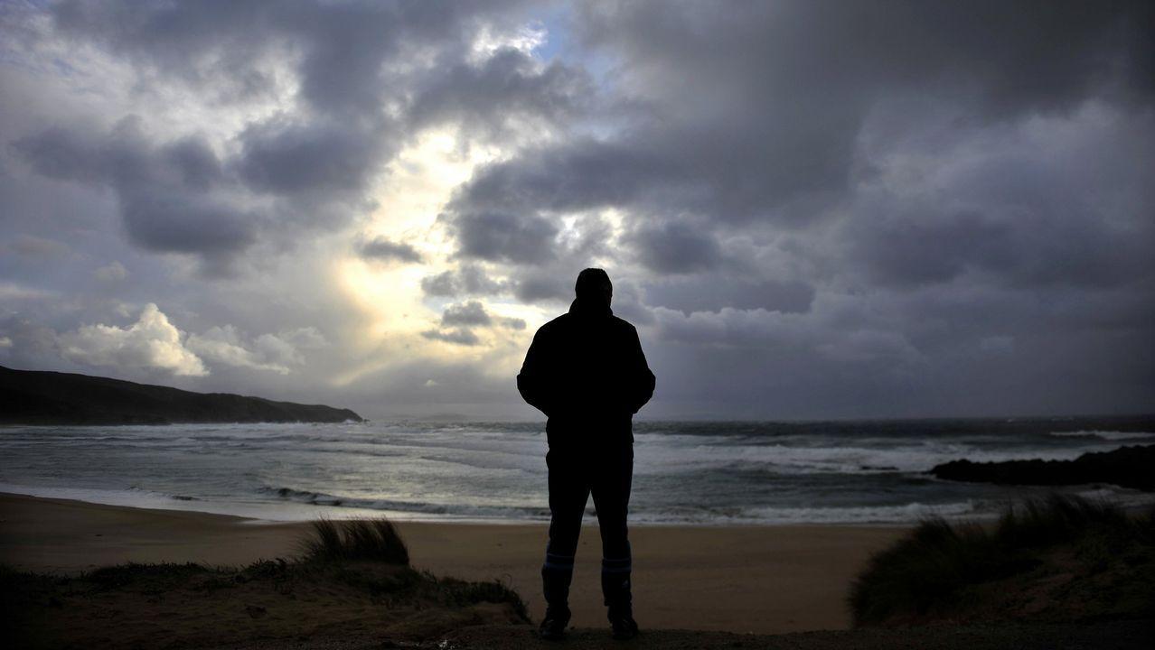El paso de«Ana» por el Principado.Temporal Ana en A Coruña. Cerrado el paseo marítimo en Las Esclavas