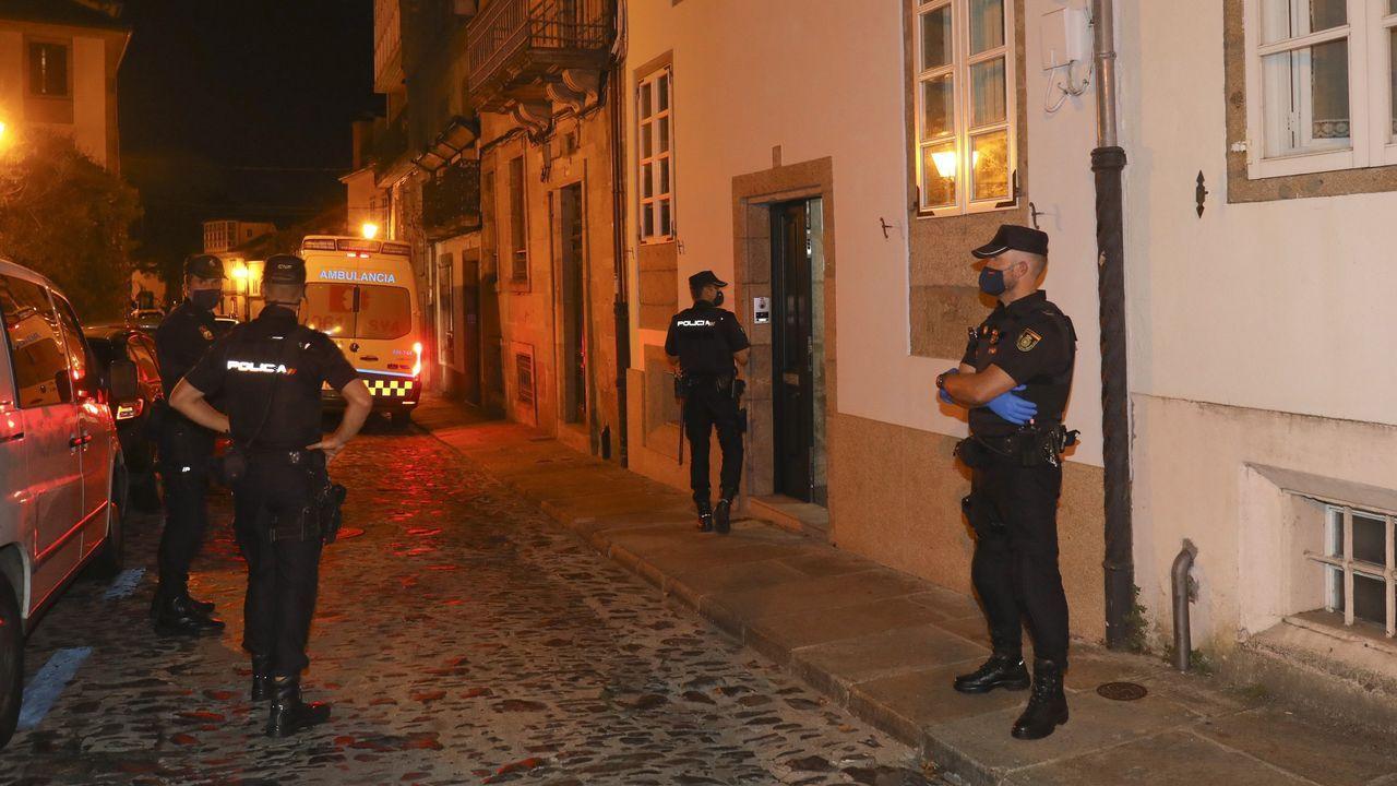 EN DIRECTO: Entrevista a Ana Pontón.Agentes de la Policía Nacional ante la casa de Santiago en la que mataron al niño