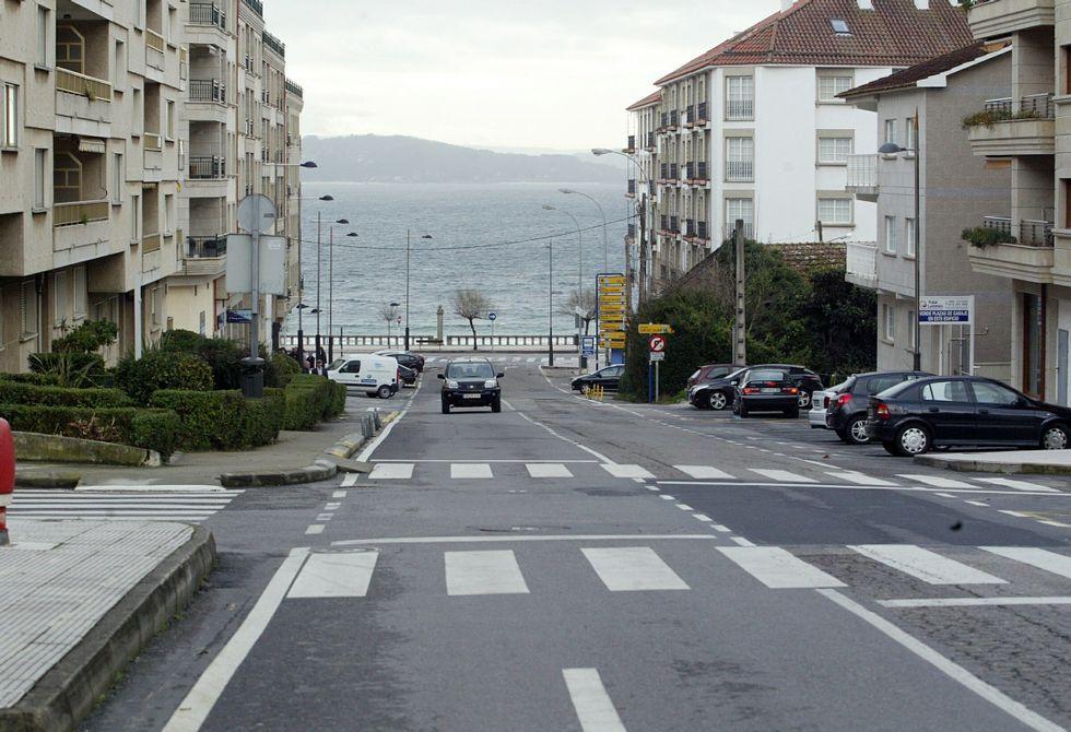 La calle Luis Rocafort, todavía de titularidad de la Diputación, pasará a manos de Sanxenxo.