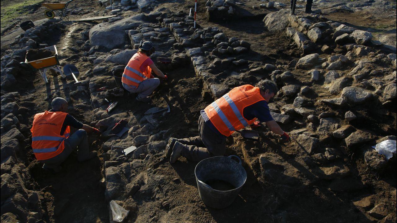 Excavaciones en el castro de Elviña