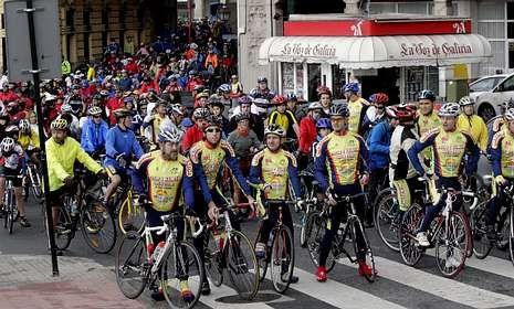 La marcha del Día de la Bici saldrá de la plaza de María Pita y recorrerá el paseo marítimo.
