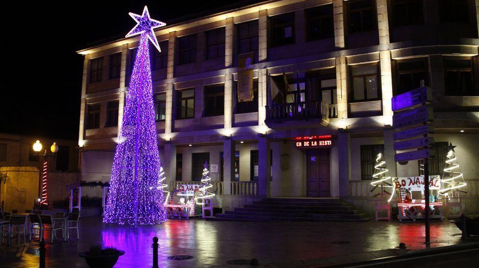 NAVIDAD EN CELANOVA.Iluminación navideña en A Rúa de Valdeorras