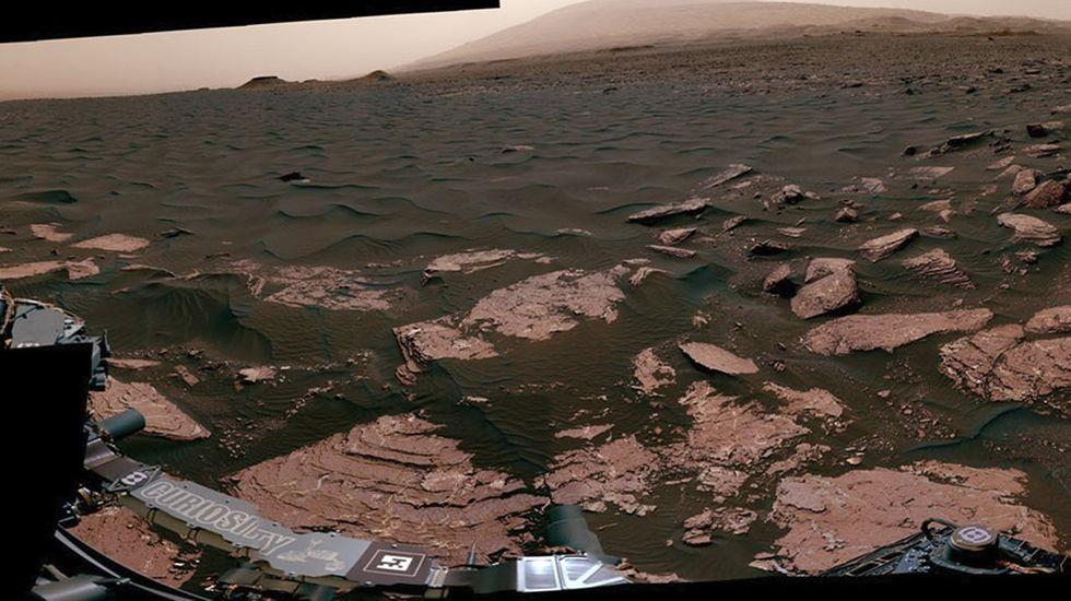 El «Curiosity» registra una panorámica de 360 grados de un campo de dunas en Marte.Titán, a lúa de Saturno compatible coa vida