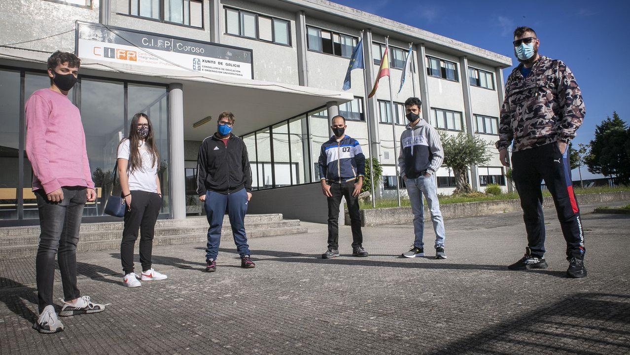 Imagen de archivo del instituto Campo de San Alberto de Noia, donde hay dos casos activos tras recibir el alta otro alumno que estaba contagiado