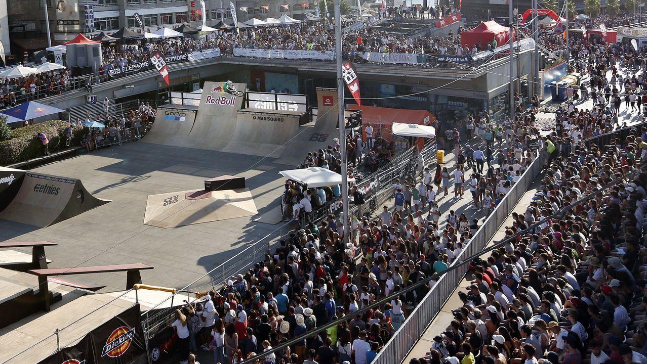Afluencia de gente en el Festival de cultura urbana O Marisquiño del 2017 en Vigo.