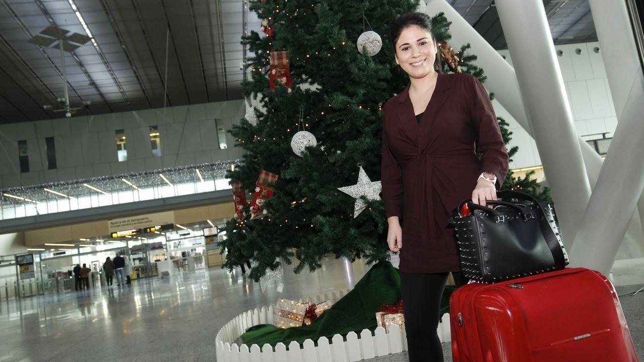 Así fue el paso de los Reyes Magos por los concellos del entorno de Santiago.Avión de la aerolínea de bajo coste Ryanair